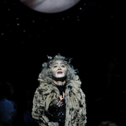 Joanna Ampil as Grizabella
