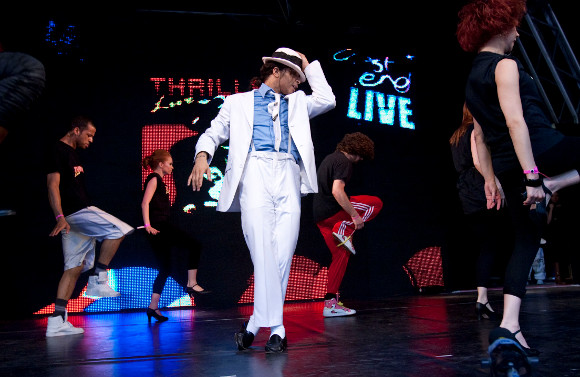 Thriller Live! performing at West End Live (2009)