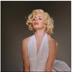 Sarah Applewood as Marilyn Monroe