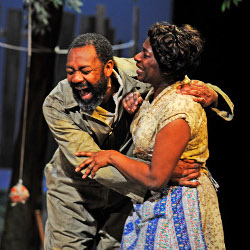 Lenny Henry and Tanya Moodie in Fences