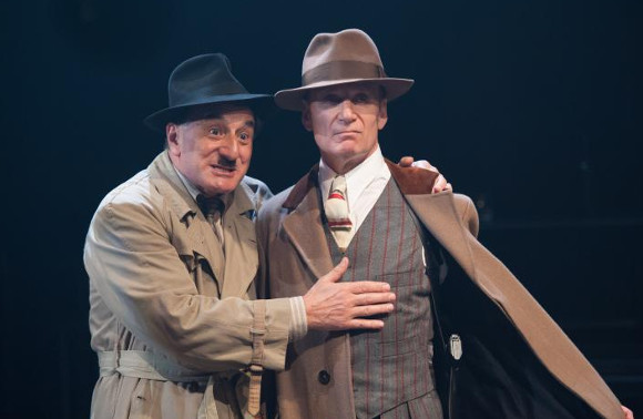 Henry Goodman as Arturo Ui and Michael Feast as Roma
