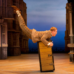 Owain Arthur in <i>One Man, Two Guvnors</i>