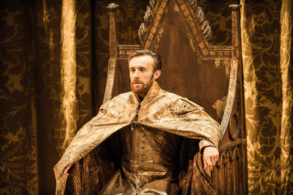 John Heffernan as Edward II